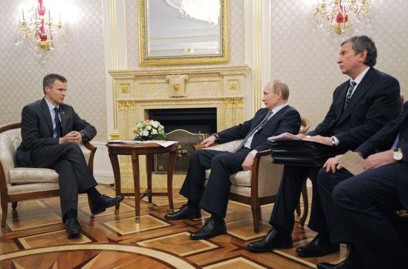 AUDIENS: Allerede i slutten av mai da Statoil-sjef Helge Lund møtte Russlands president Vladimir Putin utenfor Moskva, gikk ryktene om at Statoil kunne være på vei ut av Sjtokman-samarbeidet. Forrige uke ble ryktene verifisert.