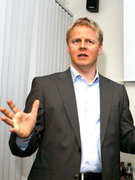 <p><b>OFFENTLIG INFORMASJON:</b> Tidligere konsernsjef Trond Arne Aas i Funcom sier han kun har solgt aksjer basert på offentlig tilgjengelig informasjon.<br/></p>