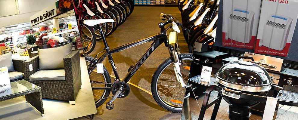 <p><b>Hagemøbler, sykler og grill:</b> Nå er det muligheter for å gjøre gode kupp på sommervarene.</p>