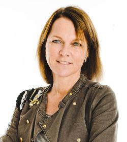 <p><b>Ønsker kontakt:</b> Høyskolelektor Cecilie Staude ved BI peker på at kjøpere ofte ønsker kontakt. Det gjør nettsider viktig, men også egne Facebooksider for eksempel.</p>