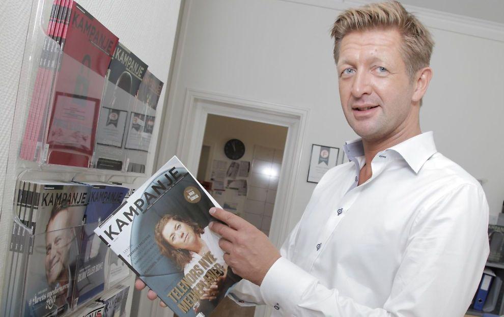 <p><b>I MEDVIND:</b> Daglig leder og redaktør Knut Kristian Hauger i Kampanje Forlag AS har all grunn til å smile.</p>