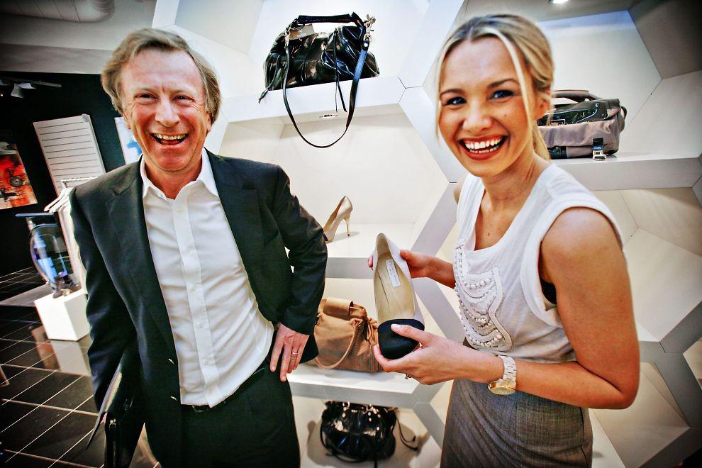 <p><b>LUKSUS:</b> Nordmenn kjøper luksus som aldri før. Her er investor Carl Erik Kreftig og butikksjef Nina Buzzi på det nye kjøpesenteret Eger Karl Johan. Der går det så det suser.<br/></p>