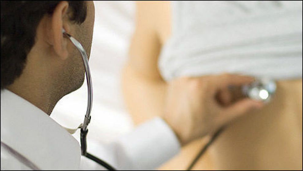 <p><b>Færre sykemeldinger:</b> Det legemeldte sykefraværet har sunket fra 5,7 til 5,2 prosent på ett år.<br/></p>