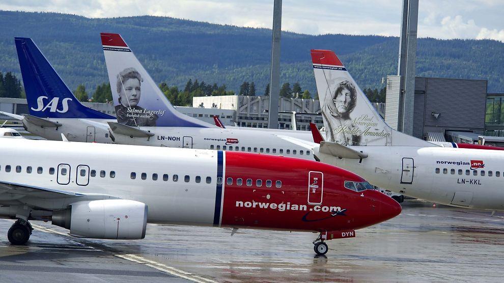 <p><b>UENIGE:</b> Mens Ap-politiker Steinar Gullvåg mener at en gjeninnføring av bonusordningen på innenlands flyreiser vil gjøre godt for SAS, varsler Norwegian at det i så fall vil bety færre flyruter.<br/></p>