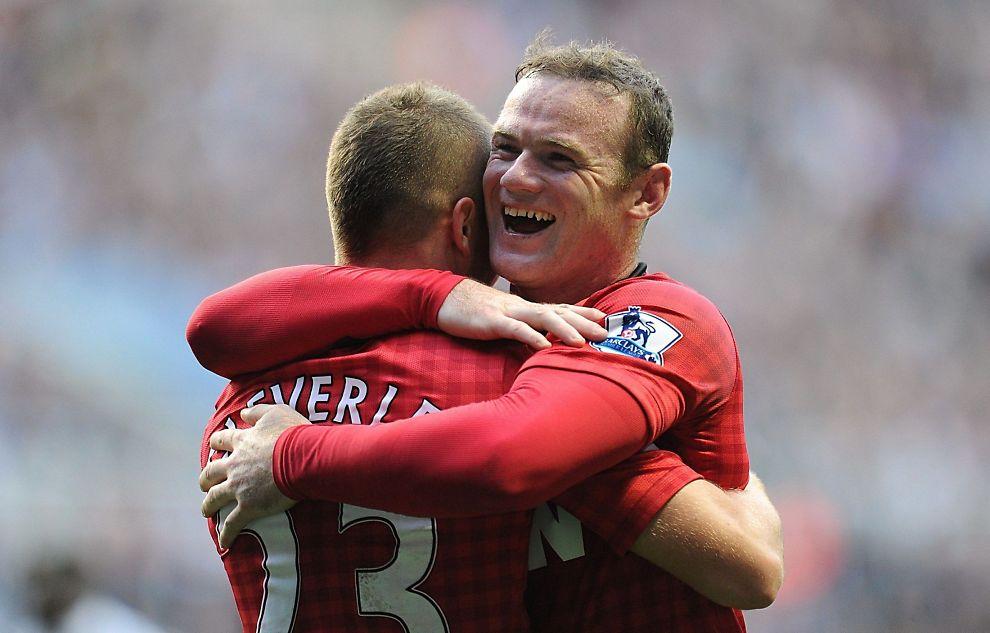 <p><b>United-stjerne:</b> Mange ønsker å reise til England for å oppleve blant annet Wayne Rooney, Tom Cleverley (skjult) og Manchester United. Med planlegging kan du få billigere turer ved å organisere selv.<br/></p>