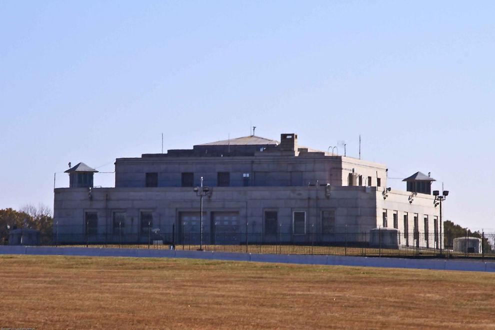 <p>GULL-BOKSEN: I Fort Knox lagrer USA sin enorme gullbeholdning.<br/></p>