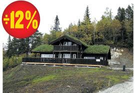 """<p>Ned 450.000: På Gautefall i Telemark ligger denne hytten. Startet på 3.650.000 kroner, nå 3.200.000 kroner. Alle fasiliteter, turterreng og alpinterreng like ved. Vestvendt hytte med stor balkong.<br/> Les mer her: <a href=""""http://www.dinepenger.no/bruke/priskutt-paa-fjellhytter/20281091"""">Priskutt på fjellhytter</a></p>"""