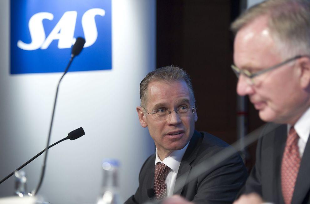 <p><b>HARDE FORHANDLINGER:</b> Konsernsjef Rickard Gustafson (t.v.) og styreleder Fritz Schur i SAS kjemper en tøff kamp for å få på plass nye vilkår for skandinavias største flyselskap.</p>