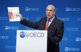 <p><b>ADVARER:</b> Generalsekretær Angel Gurria i OECD.<br/></p>