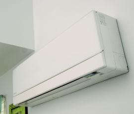 """<p><b>Beste varmepumpe:</b> En varmepumpe kan være med på å minske strømforbruket.<br/></p><p><b><a href=""""http://www.dinepenger.no/bruke/dette-er-de-beste-varmepumpene/20283005"""">Les vår store test</a></b><br/></p>"""
