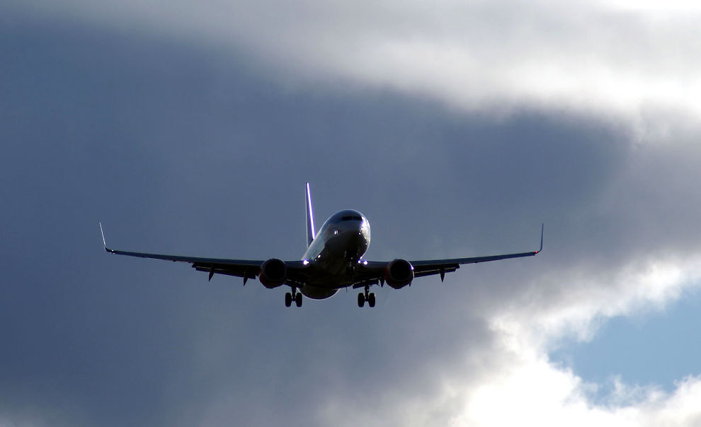 <p><b>«SERVICE OG SIKKERHET»:</b> SAS avviser at bruken av utenlandsk arbeidskraft handler om penger. Bildet, som er et illustrasjonsfoto, viser en SAS Boeing 737-700.<br/></p>