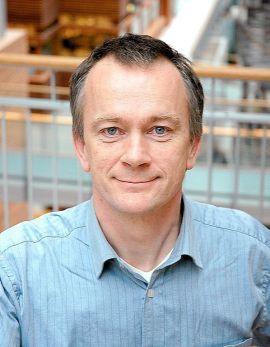 <p><b>FORSKET</b>: BI-proffesor Jan Ketil Arnulf har resonert seg fram til at omtrent hver sjuende yrkesaktive nordmann har en sjefsstilling.</p>