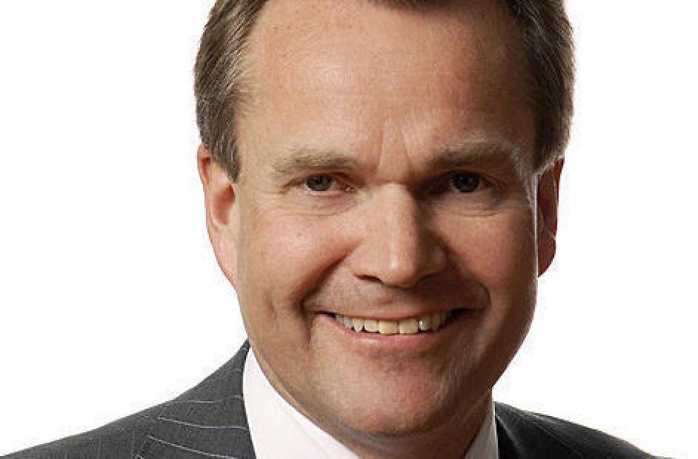 <p><b>TOPPTUNGT:</b> SpareBank 1 SMN-sjef Finn Haugan mener det er for mange sjefer i Norge.</p>