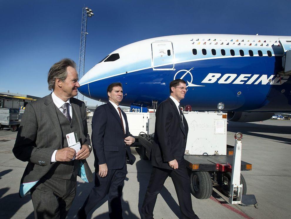 <p><b>- Etter planen</b>: Norwegian-sjef Bjørn Kjos har planer om ta i bruk Boeing 787 Dreamliner på langdistanseflyvinger fra 30 mai.. </p>