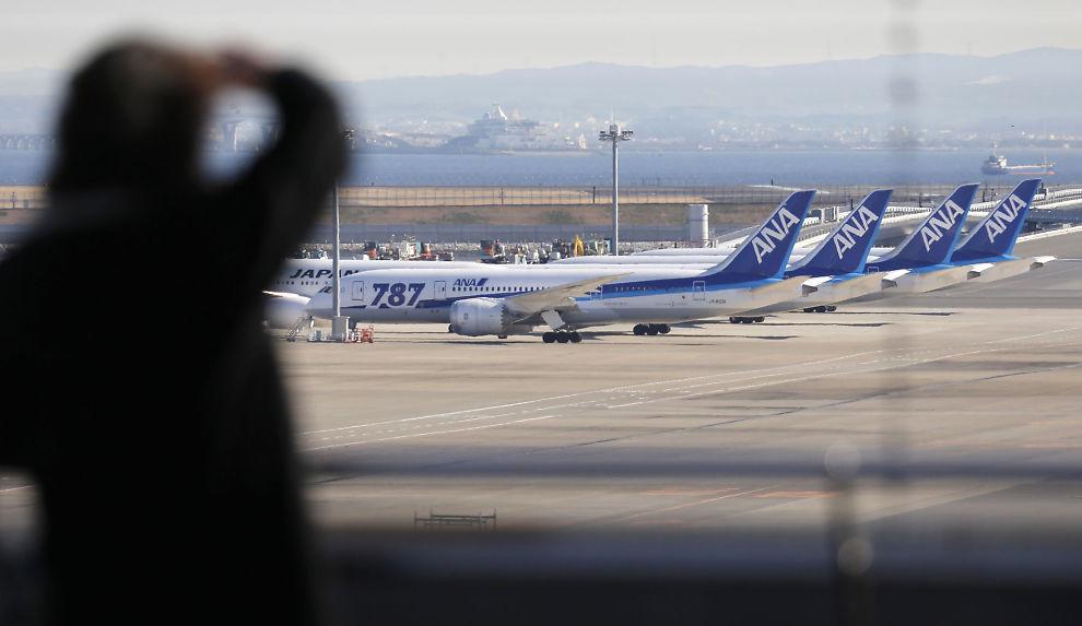 <p><b>PÅ BAKKEN:</b> Alle de rundt 50 787 Dreamliner som er levert til flyselskaper verden over, står for tiden på bakken.<br/></p>