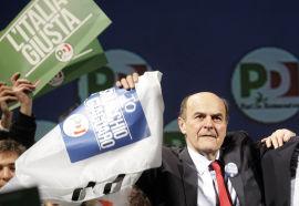 <p><b>KNAPP LEDER:</b> Partileder Pier Luigi Bersani er svært skeptisk til Beppe Grillo. Her runder han av sin valgkampinnsats.<br/></p>