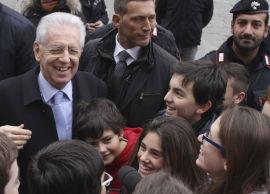 <p><b>TRUET AV SPERREGRENSEN:</b> Statsminister Mario Monti kan se til venstre for samarbeidspartnere - dersom ha sikrer nok stemmer i valget.<br/></p>