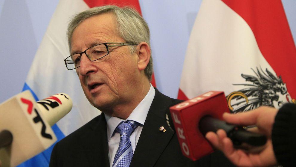 <p><b>MØTER KRAV:</b> Luxembourgs statsminister Jean-Claude Juncker sier landet vil møte EUs krav.</p>
