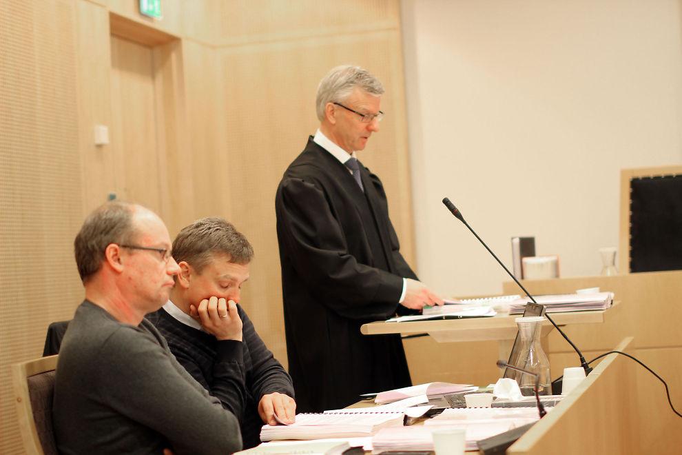 <p><b>KREVER OPPGJØR:</b> Advokat Svein Sulland (t.h.) fra advokatfirmaet Selmer representerer elektrofirmaet Totaltek i søksmålet mot Ole Robert Reitan</p>