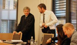 Advokatene Sam E. Harris (t.v.) og Øystein Myre Bremset fra advokatfirmaet BAHR representerer Ole Robert Reitan og konen Monica mot søksmålet fra Totaltek.