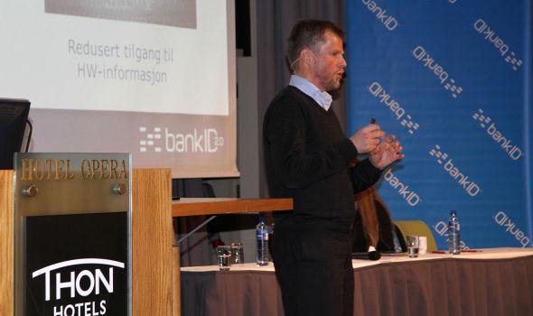<p><b>VISTE FRAM:</b> Prosjektleder Frode Beckmann Nilsen presenterte status for nye BankID på en konferanse i Oslo i dag.<br/></p>