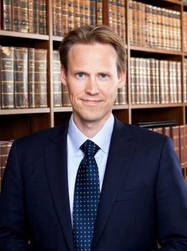 <p><b>SJEFEN BESTEMMER:</b> - Hvis mange eller alle arbeidstakerne skulle ta ut ferie samtidig, ville det vært håpløst dersom ikke arbeidsgiver ville hatt mulighet til å sette foten ned, sier advokat Eivind Arntsen i DALAN.<b><br/></b></p>