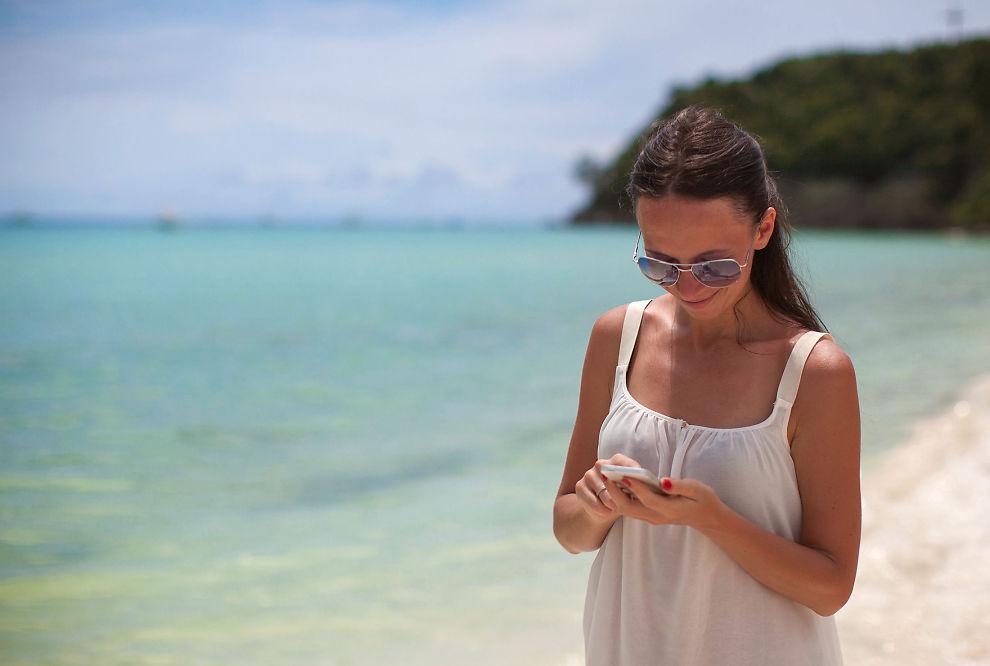 <p><b>Lad opp telefonen:</b> Med de riktige appene på telefonen får du mer ut av ferien. Se hvilke du bør velge.</p>