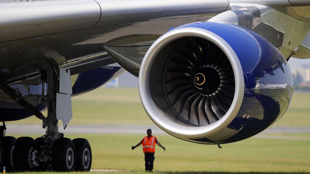 <p><b>BESKYLDES FOR SIKKERHETSSVIKT:</b> To tidligere ansatte hevder det fremdeles er hundrevis av motorer i drift som har defekter. Her en motor i en Airbus A380.</p>