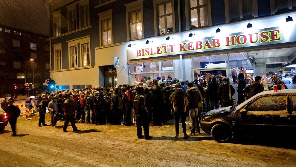 <p><b>LAVERE BEMANNING:</b> Bislett Kebab kvittet seg i fjor med 100 ansatte. Likevel steg lønningene.<br/></p>