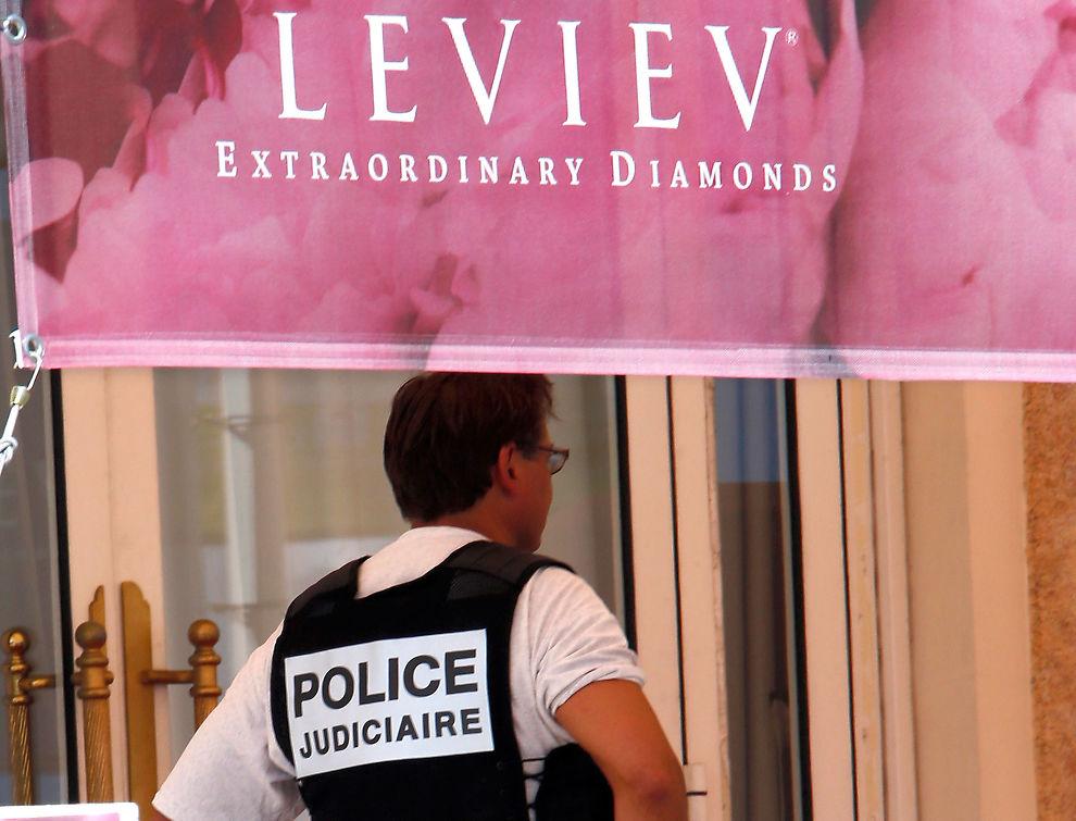 Smykkene ble stjålet fra Carlton hotel i Cannes.