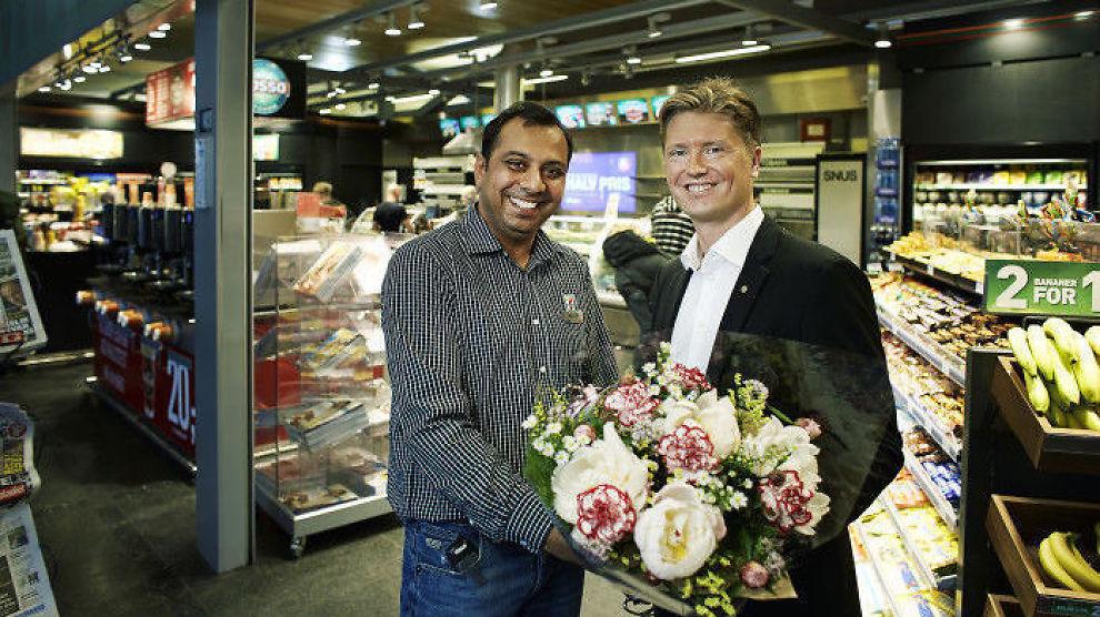 <p><b>VANT PRIS:</b> Magnus Reitan, sjef for 7-Eleven og Narvesen i Norge, vant sammen med MyCall årets Brobyggerpris.<br/></p>