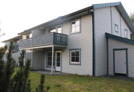 <p><b>BLIR UVEL:</b> Tidligere leietaker Veronica Grindal blir uvel når hun er tilbake på området hvor hun leide. Her er et av utleiebyggene i Seljeveien i Elverum, hvor Anette Svensson og Dagfinn Korbøl bodde i 2. etasje.<br/></p>