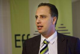 <p><b>PEKER PÅ POLITIKERNE:</b> Leder Christian Dreyer i Eiendomsmeglerforetakenes Forening.<br/></p>