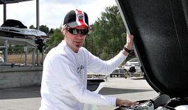 <p><b>BRØYTER NYE MARKEDER:</b> Bård Eker har tatt med seg erfaringen fra båtbygging og superbilen Koenigsegg inn i utviklingen av de nye flyplassbrøytebilene.<br/></p>