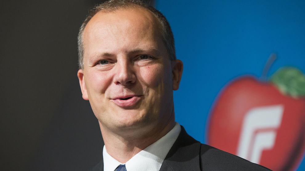 <p><b>- NY SAMFERDSELSMINISTER:</b> Nestleder i Frp, Ketil Solvik-Olsen, blir ifølge NRK ny samferdselsminister.<br/></p>