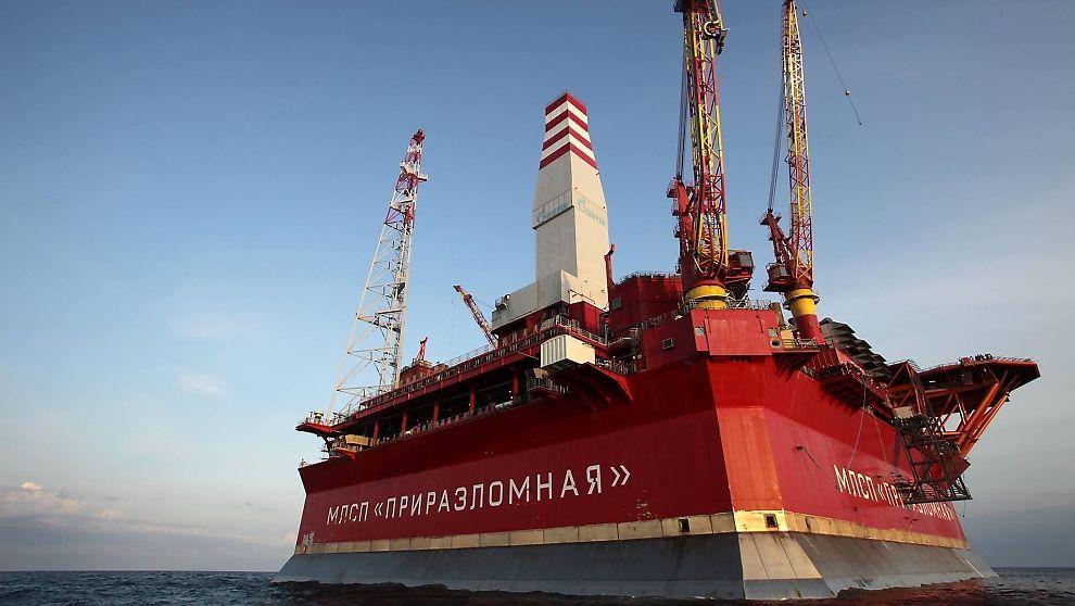 <p><b>KUNSTIG «OLJE-ØY»:</b> Ifølge ledelsen i Gazproms datterselskap skal Prirazlomnaja-plattformen være så solid at den tåler en fulltreffer med torpedo.</p>