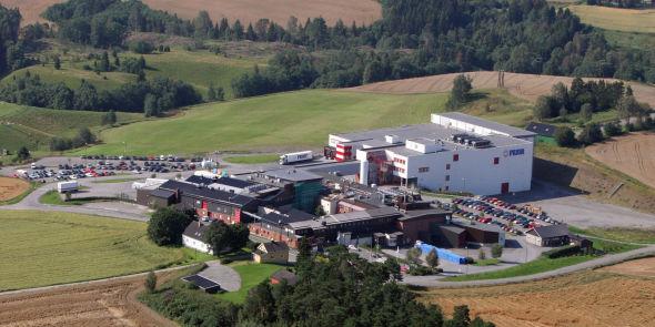 <p><b>SKAL BYGGES UT:</b> Slik ser Priors produksjonsanlegg i Hærland ut i dag. Nå skal detbli det mest produktive kjøttanlegget i Norge.<br/></p>