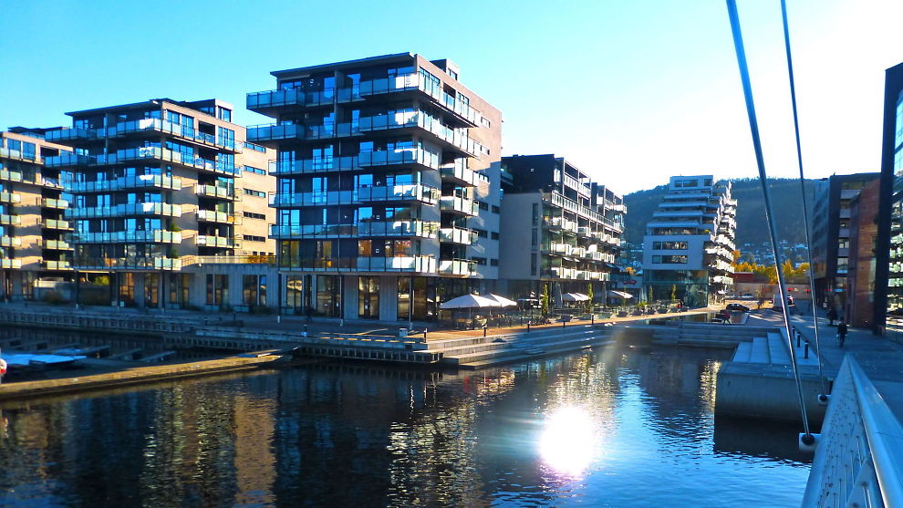 <p><b>PRISFALL:</b> Prisene på leiligheter falt i oktober. Illustrasjonsbildet viser Union brygge i Drammen.<br/></p>