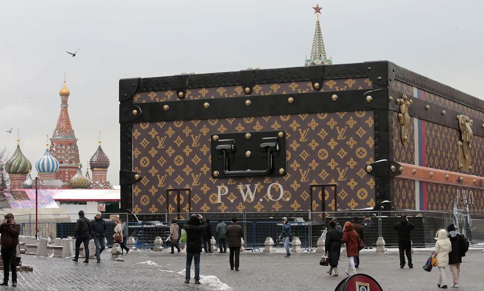 Modish Russerne ber Louis Vuitton pakke kofferten og dra - Utenriks - E24 JT-43