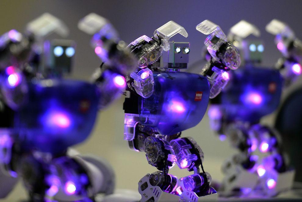 <p><b>SATSER PÅ ROBOTER</b>: Google har allerede kjøpt opp syv teknologiselskaper som jobber med å utvikle roboter. Illustrasjonsfoto fra en utstilling av roboter på et museum i Madrid i Spania.</p>