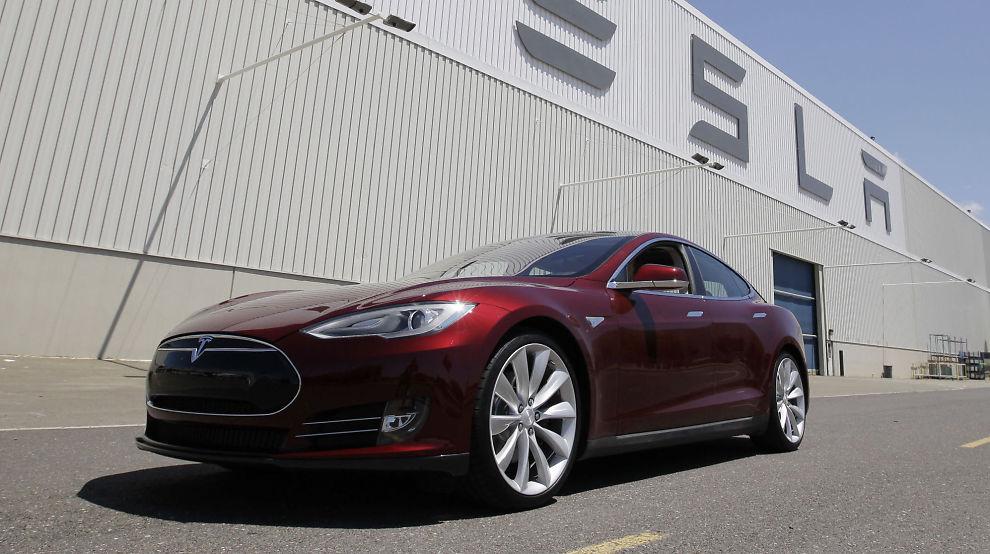 <p><b>FIKK DRØMMEBILEN:</b> Mannen som kjøpte Tesla S med bitcoin i California hadde vært innom flere bilhandlere før han fant en som ville ta i mot valutaen som betalingsmiddel.</p>
