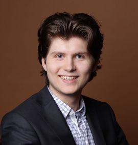 <p><b>DRIVER NETTHANDEL:</b>Robert Grinde har sammen med Florent Nicolas Aste drevet Wishbox siden 2009. Nettbutikken selger opplevelsesgaver, og gikk i pluss for første gang i fjor - med driftsinntekter på like under millionen.</p>
