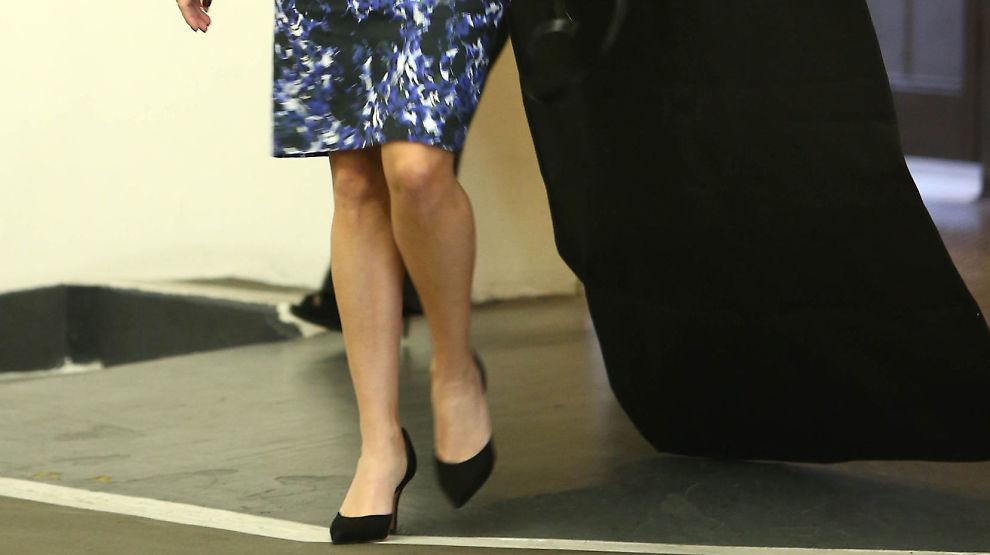 <p><b>JOBBINTERVJU?</b> Flyselskapet Qatar Aiways søker etter norske kvinner i knekorte skjørt.</p>