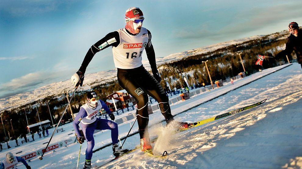 <p><b>TRØNDERNE LEDER AN:</b> Petter Northug, en av mange norske vinter-OL-utøvere fra Trøndelag, leder an i Norgescupen i langrenn i Meråker, Trøndelag i 2010.<br/></p>