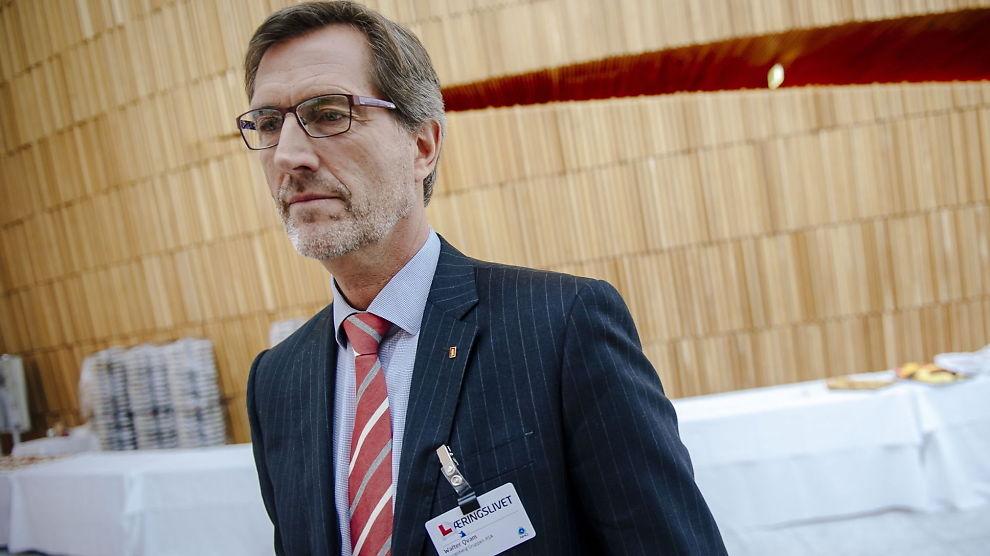 <p><b>ØKOKRIM HAR TATT UT SIKTELSE:</b> Ledelsen i Kongsberg Gruppen ble tirsdag kjent med at Økokrim har tatt ut siktelse mot selskapet. Her er konsernsjef Walter Qvam i Kongsberg Gruppen.<br/></p>