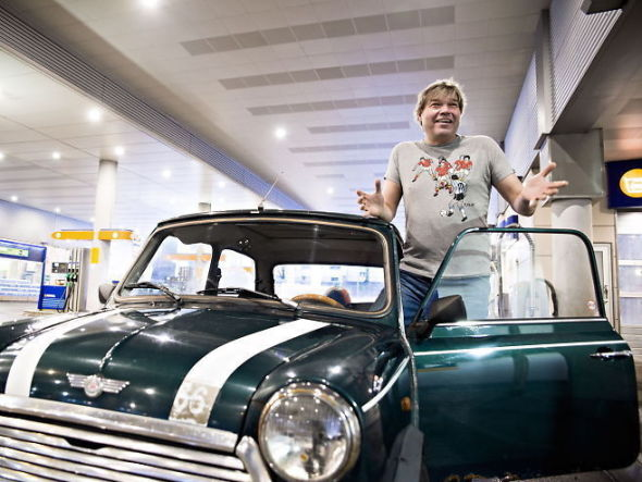 <p><b>BYTTER:</b> Tormod Rype (50) betaler bare 2000 kroner i året i bilforsikring. Foto: ROBERT EIK</p>