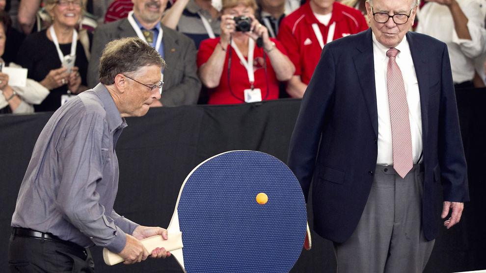 <p><b>TAR OPP KAMPEN:</b> Det finnes argumenter for å forsvare at de rikeste i USA, representert her ved Microsoft-gründer Bill Gates og investor Warren Buffet, blir enda rikere enn resten. Her fra en bordtenniskamp i Omaha i 2012.<br/></p>