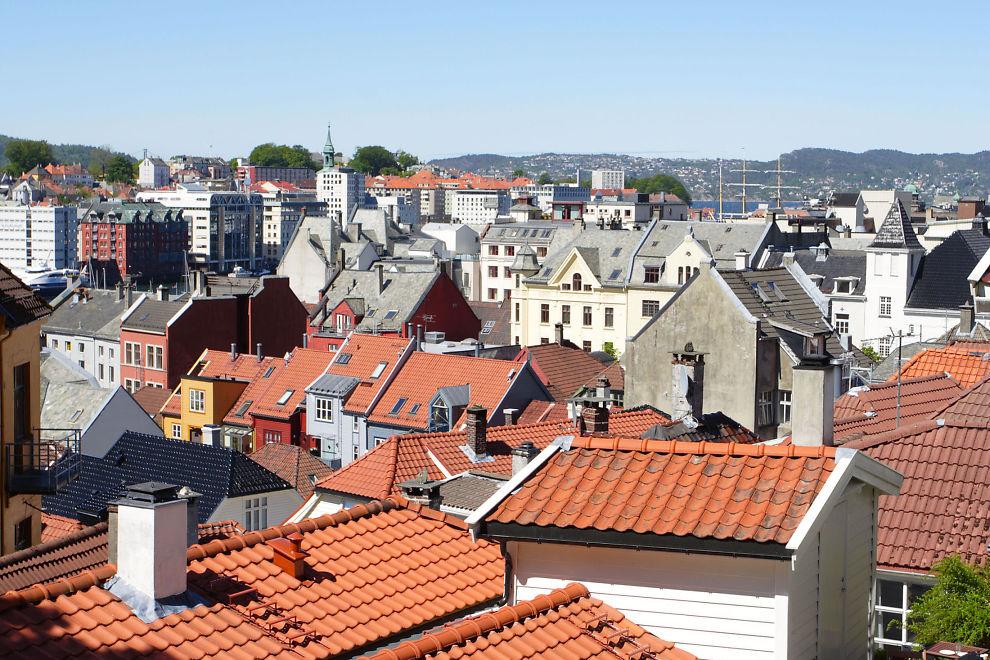 <p><b>Setter ned boliglånsrenta:</b> Storebrand setter ned boliglånsrenta for kunder med tjenestepensjonsordning i selskapet.<br/></p>