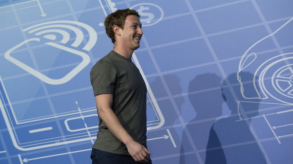 <p><b>SOSIAL OPPTUR:</b> Facebook overrasket markedet med sine kvartalstall onsdag der tallrekkene hadde vært gjennom en real multiplisering. Her er Facebook-gründer Mark Zuckerberg på Mobile World Congress i Barcelona i februar.</p>