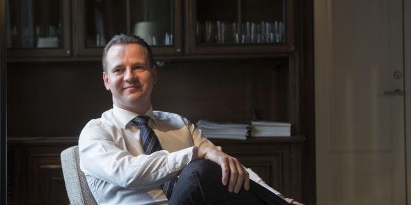 <p><b>GAP:</b> Stig Myrseth peker på at aksjekursene har løpt i fra selskapsresultatene, det gapet bør lukke seg.<br/></p>